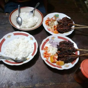 Masakan khas solo tengkleng dlidir