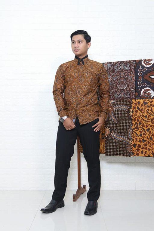 Batik slimfit Solo tehnik pembuatan ori handmade